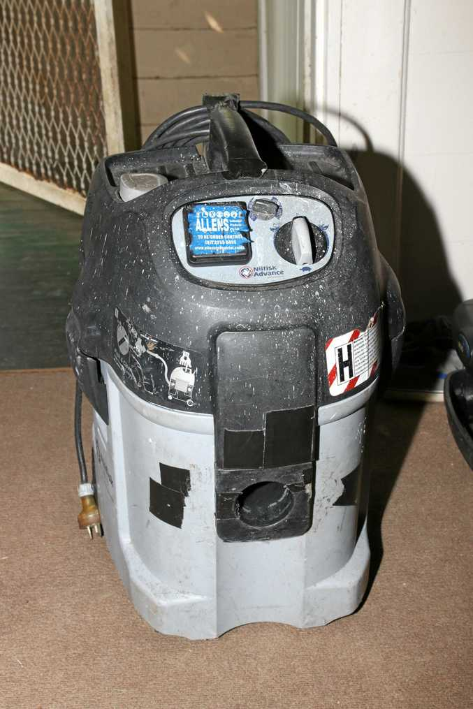 RISK: If this vacuum full of asbestos is found, do not open, report to Gympie police immediately.