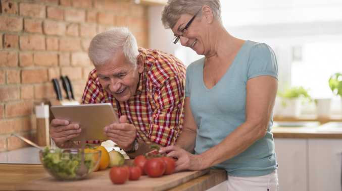 ONLINE HELP: Discover great healthy ageing information free and online.