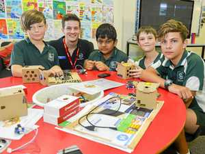 Australia's 'next Steve Jobs' teaches emerging tech to Gladstone school