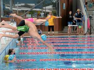 RMB151017 swimming