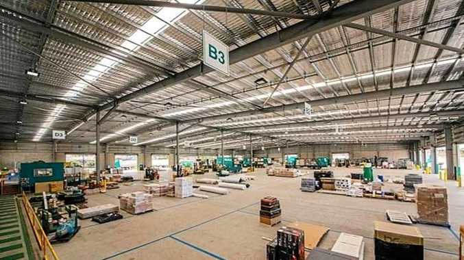 The shed, with a floor area of 7000sq
