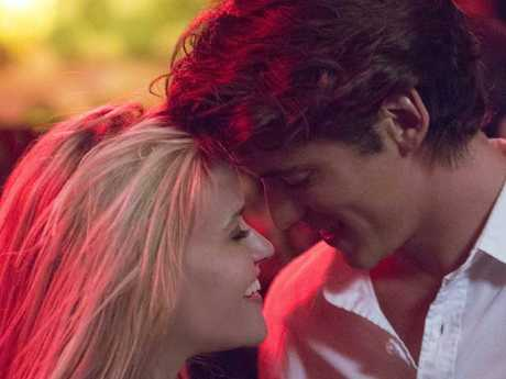 Alice (Reese Witherspoon) and Harry (Pico Alexander) are like a pale imitation of The Graduate in Home Again.