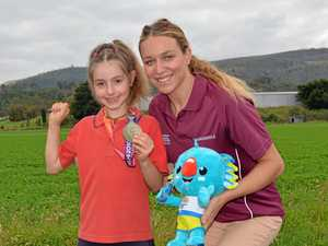 Australian swimmer makes big splash with Lockyer students