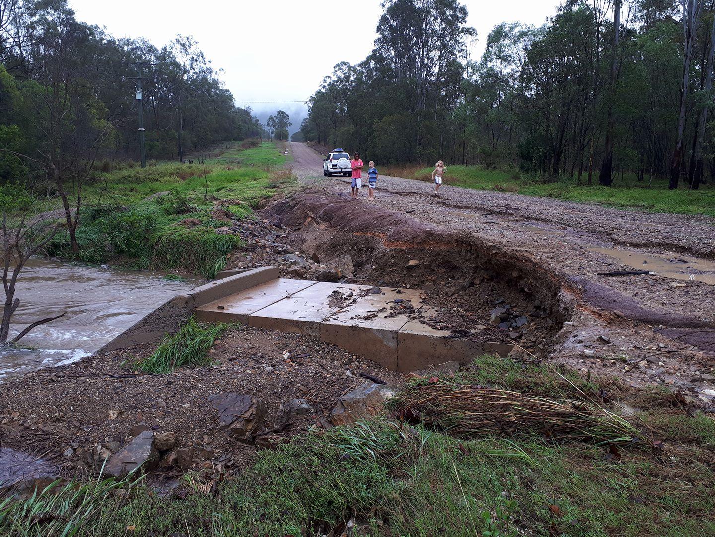Flood damage at Creevey Dr, Captain Creek