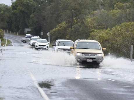 Flooding on Pialba Burrum Heads Rd before Toogoom turnoff.
