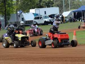 Mowe racing at Yaamba. D Grade racers (in the lead)
