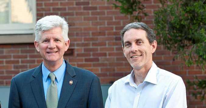 Former US Navy operational energy director Chris Tindal and QUT's Dr Ian O'Hara.