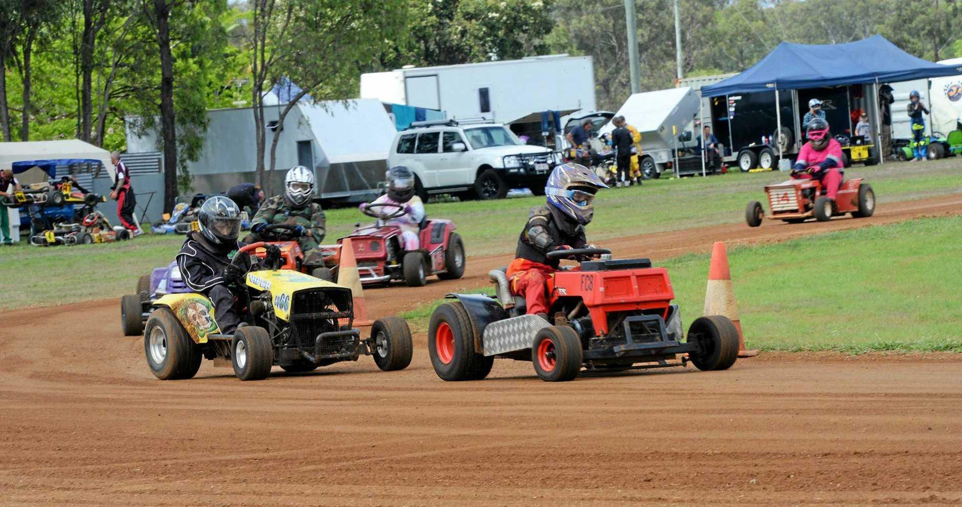 Mowe racing at Yaamba. D Grade racers (in the lead) Jordan Heggie.