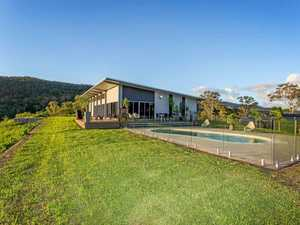 253 Smith-Cross Road, Devereux Creek