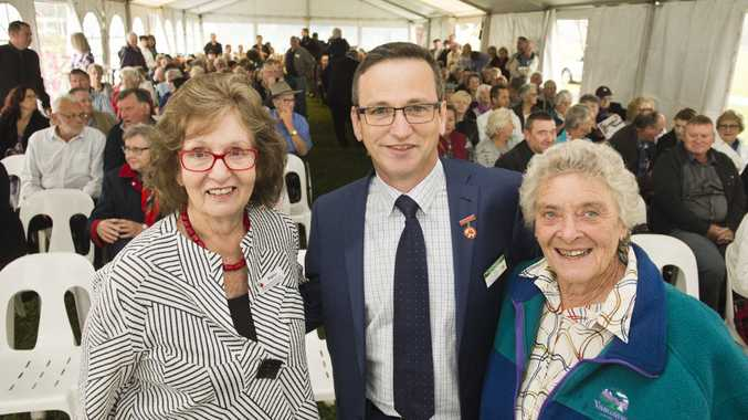 ( From left ) Regina Albion, Paul Hains, Vice President Australasia, World Federation of Rose Societies and Maureen Hultgren.