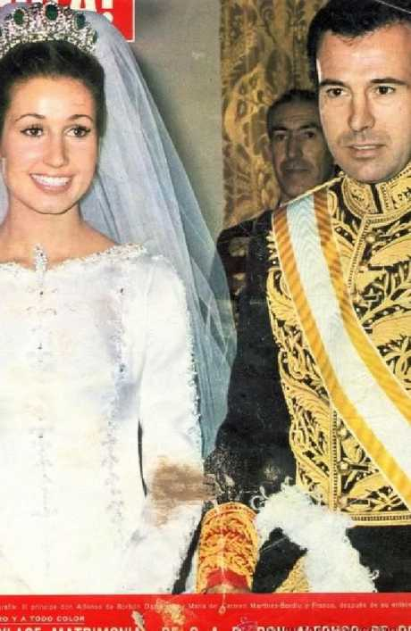Spanish Magazine Hola's coverage of the wedding oMaria del Carmen Martinez-Bordiu y Franco and Alfonso, Duke of Anjou and Cadiz and Grandson of King Alfonso XIII of Spain in 1972.