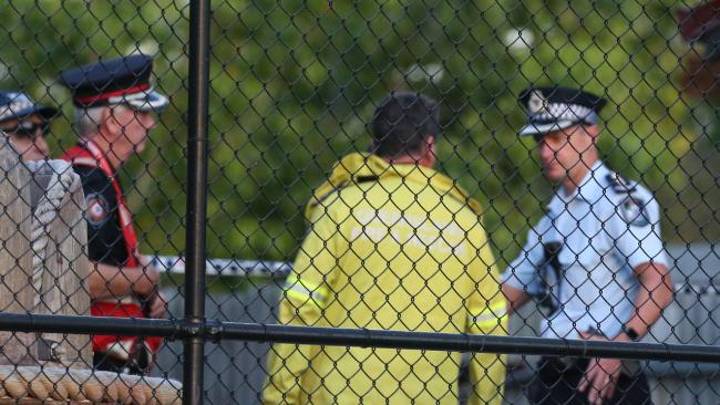 Police and emergency personal at the scene of the Dreamworld tragedy. Picture: Regi Varghese