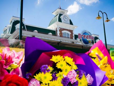 Dreamworld tragedy 'shattered' lives, victims' mother says