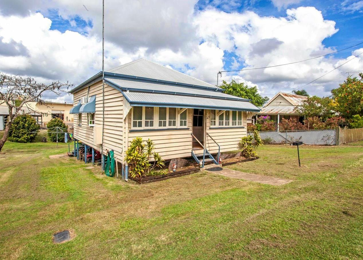 FOR SALE: 27 Berrie Street, OFFERS OVER $190,000