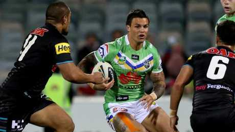 Earl last played in the NRL with Canberra in 2014.