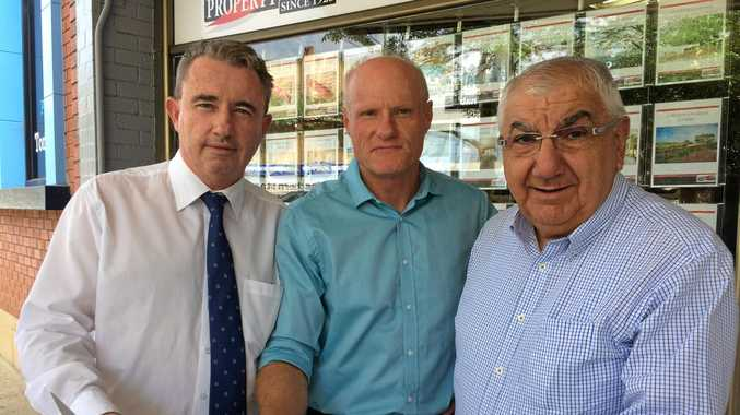 ENERGY FIZZLE: Federal Page MP Kevin Hogan, Lismore Chamber of Commerce vice president Andrew Gordon, and Lismore MP Thomas George. Mr George is retiring in 2019 and the electorate he holds by a 0.2 per cent lead could be snapped up by a Greens or ALP candidate, according to a recent poll.