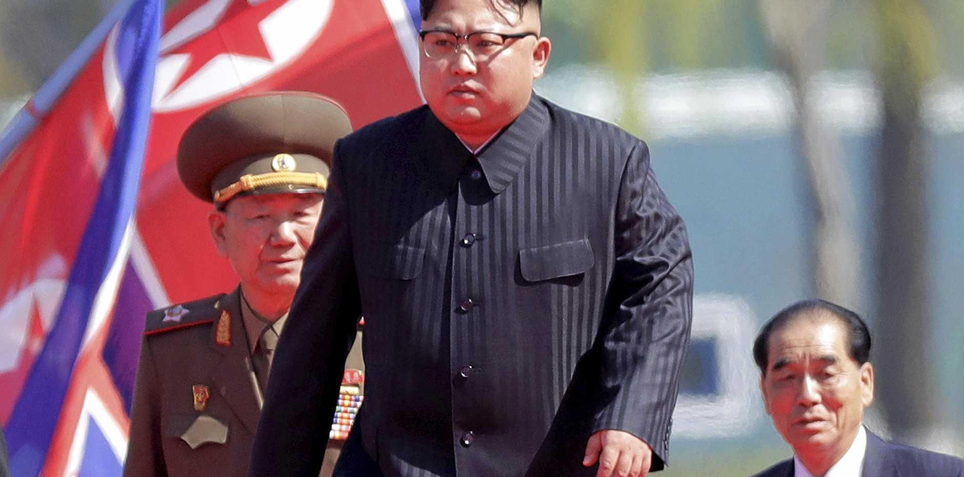 North Korean leader Kim Jong Un (centre).