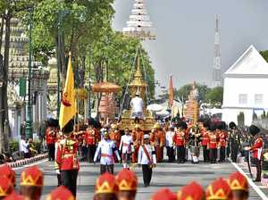 Thais farewell their beloved King