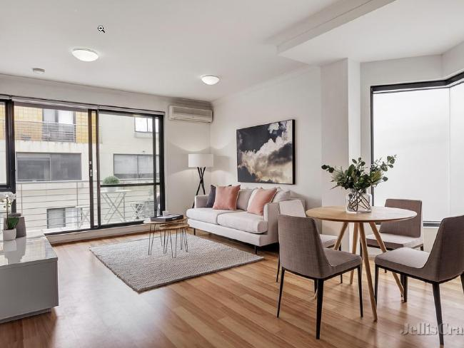 Even though you'll only get an apartment for $600k, Melbourne still has surprisingly good options. This modern two bedroom unit is currently for sale in inner-city North Fitzroy.
