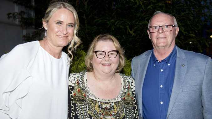 ( From left ) Alison Kennedy CEO THF, Magda Szubanski and Ray Taylor, Chairman THF at theToowoomba Hospital Foundation's Magda at the Mills event. Saturday, 28th Oct, 2017.