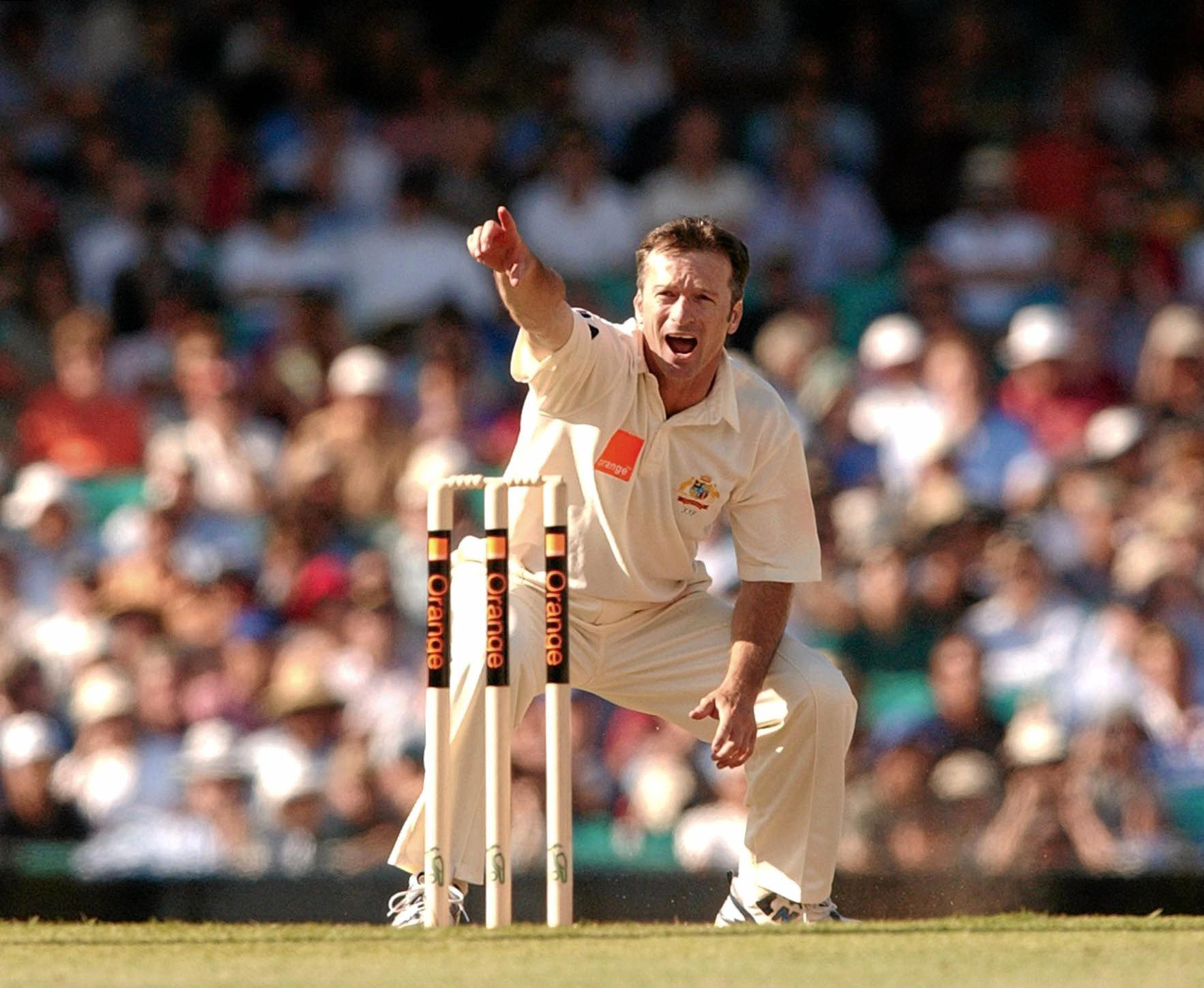 Australian captain Steve Waugh appeals to the umpire for the wicket of Englands Robert Key during day 1 of the 5th Ashes test at the SCG in 2002.  (AAP Image/Dean Lewins)