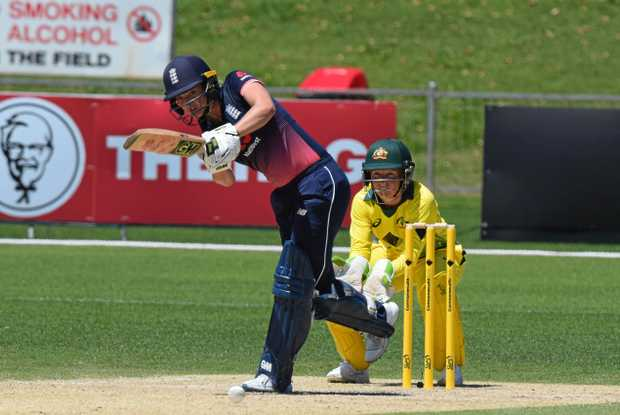 England batter Sarah Taylor plays to the onside during the One Day International against Australia in Coffs Harbour while Southern Stars wicketkeeper Alyssa Healy watches on. Women's Ashes cricket 29 October 2017 C.ex Coffs International Stadium Photo: Brad Greenshields/Coffs Coast Advocate