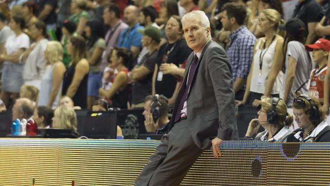 Andrew Gaze coach of the Kings during the Round 4 NBL match between the Illawarra Hawks and the Sydney Kings at WIN Entertainment Centre, Wollongong, Sunday, October 29, 2017. (AAP Image/Craig Golding) NO ARCHIVING, EDITORIAL USE ONLY