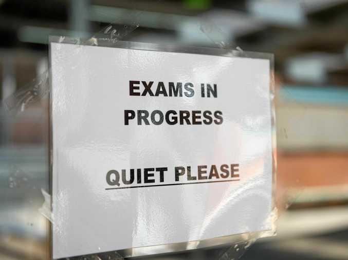 hsc english exam at Coffs Jetty high.  13 OCTOBER 2014.    Photo Trevor Veale / Coffs Coast Advocate