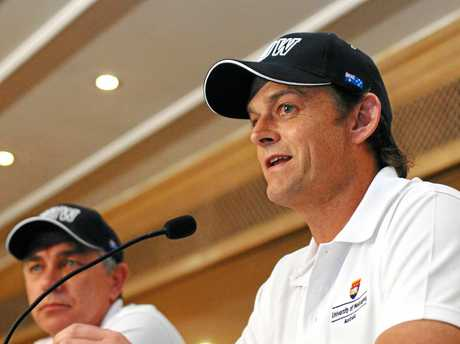 Adam Gilchrist has urged AUstralian cricket selectors to focus on a player's ability with the gloves when picking a wicketkeeper.