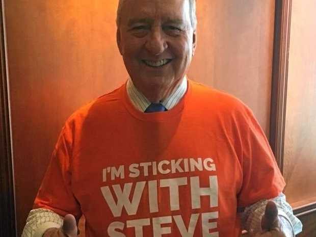 Broadcaster Alan Jones shows his support for Member for Buderim Steve Dickson in the upcoming State Election.