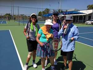Heat fails to stop tennis stalwart
