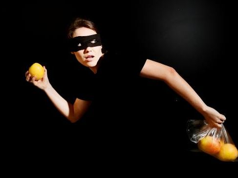 Two people were caught red handed on private property on a Humpty Doo farm with a farm owner taking photos of them and inquiring why they were stealing mangoes.