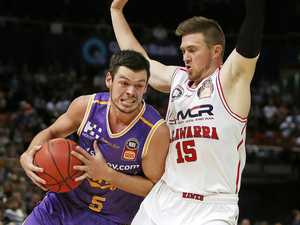 Hawks put more misery on Kings