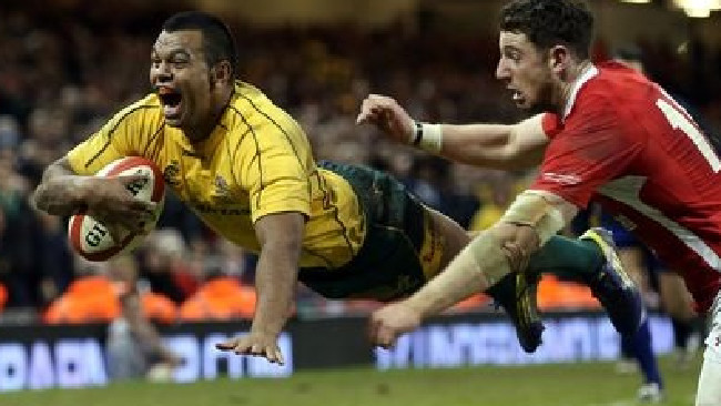 Kurtley Beale scoring the match-winning try in 2012.