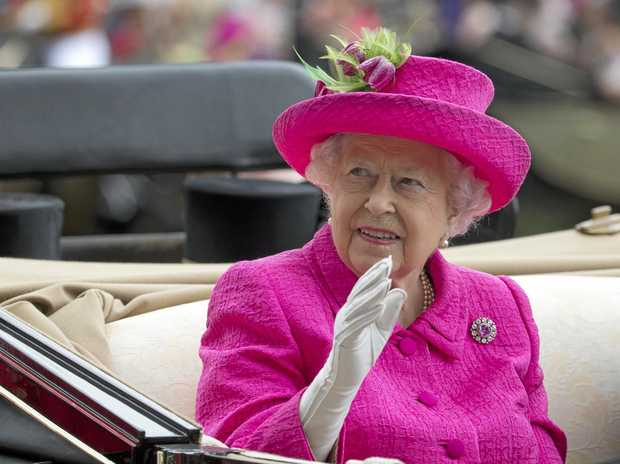 Tax probe: Queen Elizabeth II in trouble