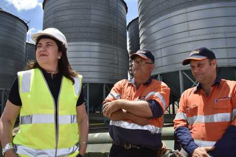 Premier Annastacia Palaszczuk in Mt Tyson chats with Brad Klowss (left) and Chris Gilbert. from Aust-Mech Conveyor Systems. Queensland Election 2017. November 2017