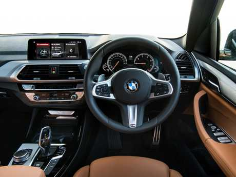 Inside the new BMW X3.