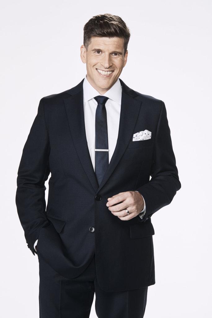 Osher Gunsberg will host Bachelor in Paradise.