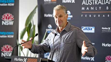Australian surfing legend Barton Lynch has come on board with the Surf Lakes team.