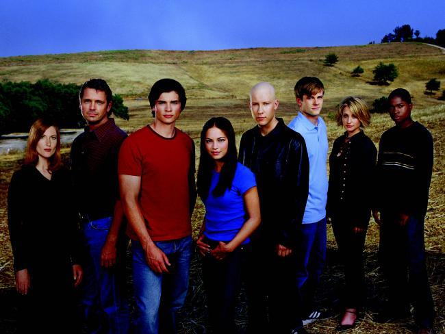 Cast of TV series Smallville. actor (L-R) Annette O'Toole, John Schneider, Tom Welling, Kristen Kreuk, Michael Rosenbaum, Eric Johnson, Allison Mack and Sam Jones III. Picture: Supplied.