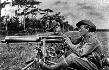 Private Arthur Burkin of Eudlo manning a machine gun during World War I.