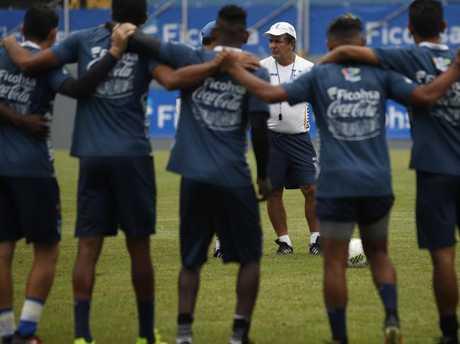 """Honduras head coach Jorge Luis Pinto has promised Australia a """"war""""."""