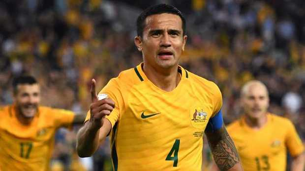 (FILES) This file photo taken on October 10, 2017 shows Tim Cahill of Australia (C) celebrating with teammates after scoring against Syria during their 2018 World Cup football qualifying match against Syria played in Sydney. Veteran goalscorer Tim Cahill remains indispensable as Australia head into their World Cup playoff with Honduras — even when he's injured, and rapidly approaching his 38th bi
