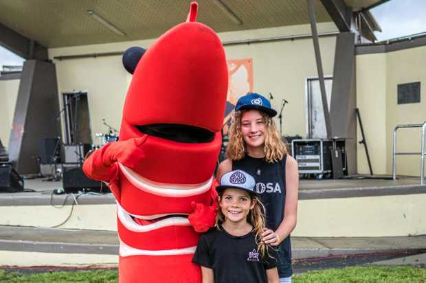 BIG PRAWN: Jet and Tully Burke came to see-food.