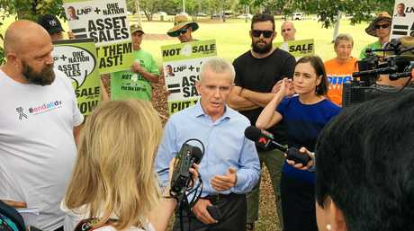 One Nation candidate Malcolm Roberts was confronted at an End All DV awareness and fundraising event in Queens Park.