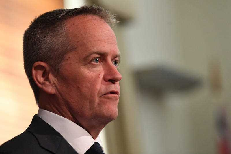 Leader of the Federal Opposition Bill Shorten addresses the media at the Commonwealth Parliamentary Offices in Melbourne on Wednesday, November 8, 2017. Shorten met with PM Malcolm Turnbull this afternoon to discuss negotiations regarding parliamentarian citizenship.