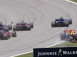 Ricciardo: Three into one didn't go today