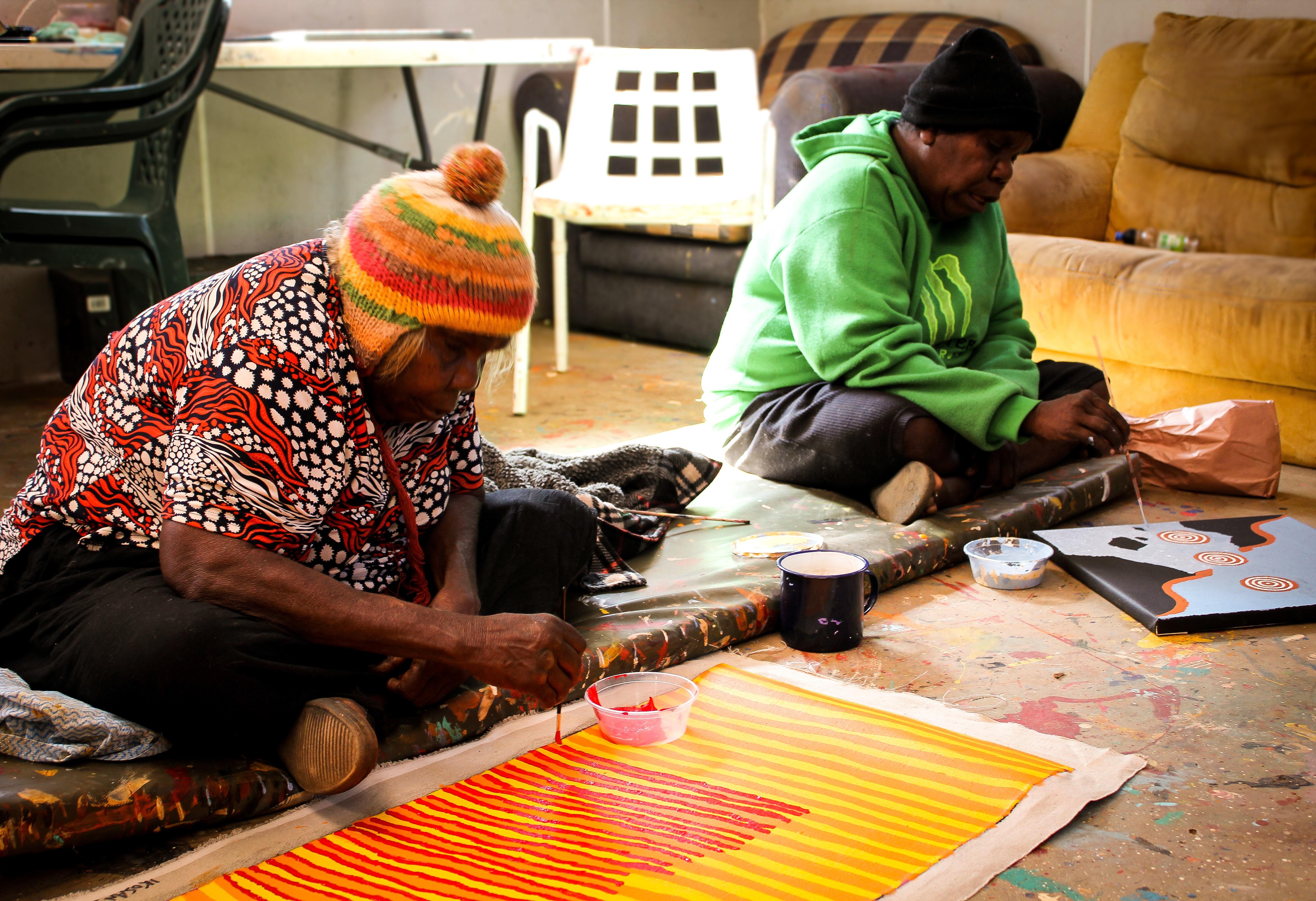 ELDER ARTISTS: Alice Nampitjinpa and her daughter Kelly Dixon, from project partner Ikuntji Artists. Dr Chrischona Schmidt.jpg