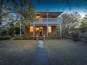 Historic home up for auction in Grafton