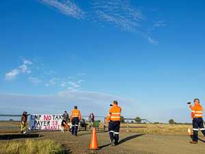 Anti-Adani protesters block rail site